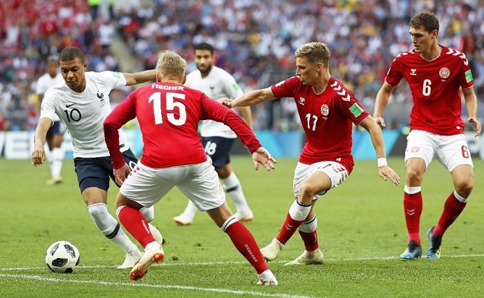 Fransa - Danimarka el ele turladı