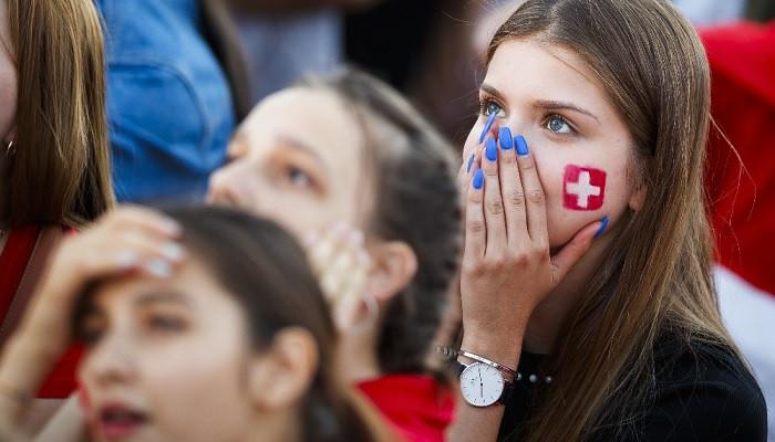FIFA'dan televizyonlara sert uyarı: Kadın seyircilere zoom yapmayın!