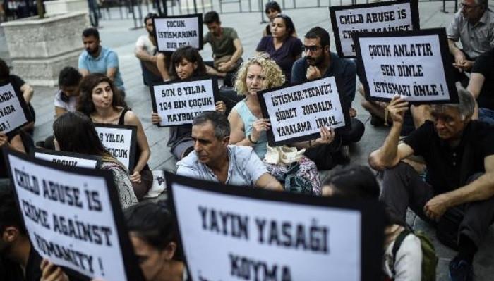 Beyoğlu'nda Eylül ve Leyla için eylem