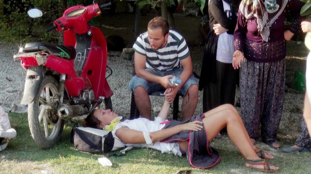 Son dakika: Göcek'ten Kaş'a giden tur otobüsü devrildi, turistler tarlaya uçtu