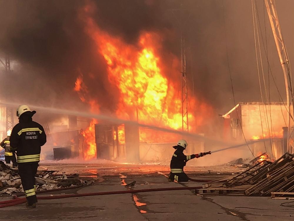 Erdoğan telefonla bilgi aldı: Konya'da 8 fabrika yandı