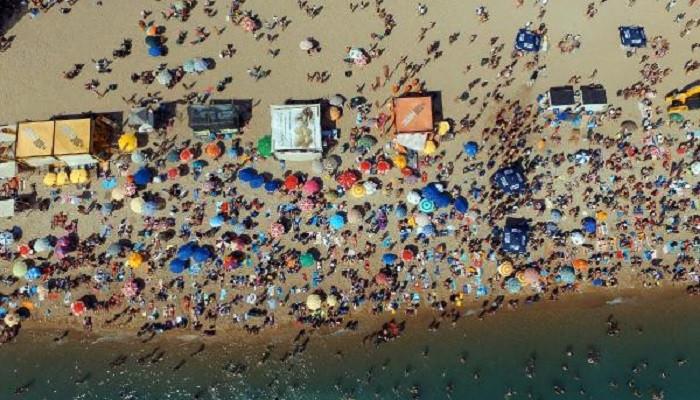 Saroz sahili deniz keyfini Haluk Levent konseriyle taçlandırdı