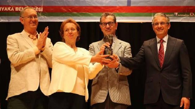 Basın Özgürlüğü Ödülü'nü Kadri Gürsel aldı