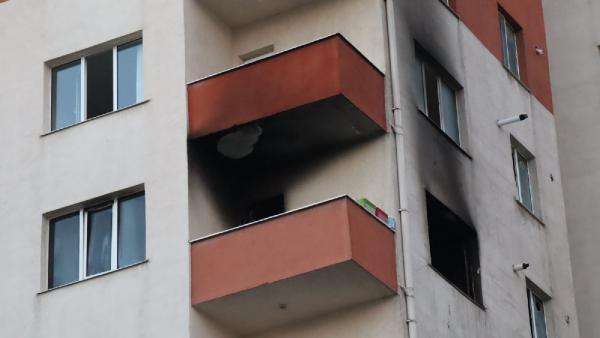 Son dakika: Beylikdüzü'nde 11 katlı binada korkutan yangın