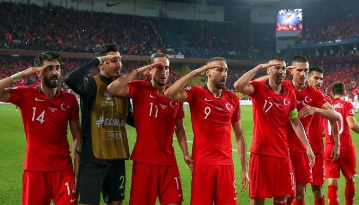 Son dakika: UEFA'dan asker selamına soruşturma