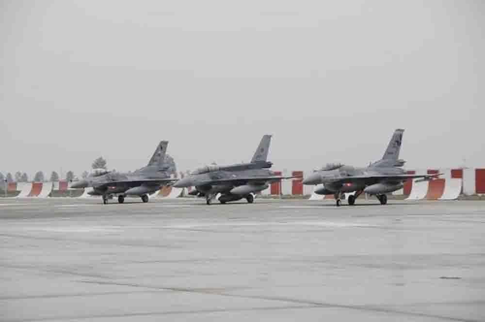 Son dakika: Türk savaş uçakları 30 km derinliğe kadar indi, hedefler imha edildi
