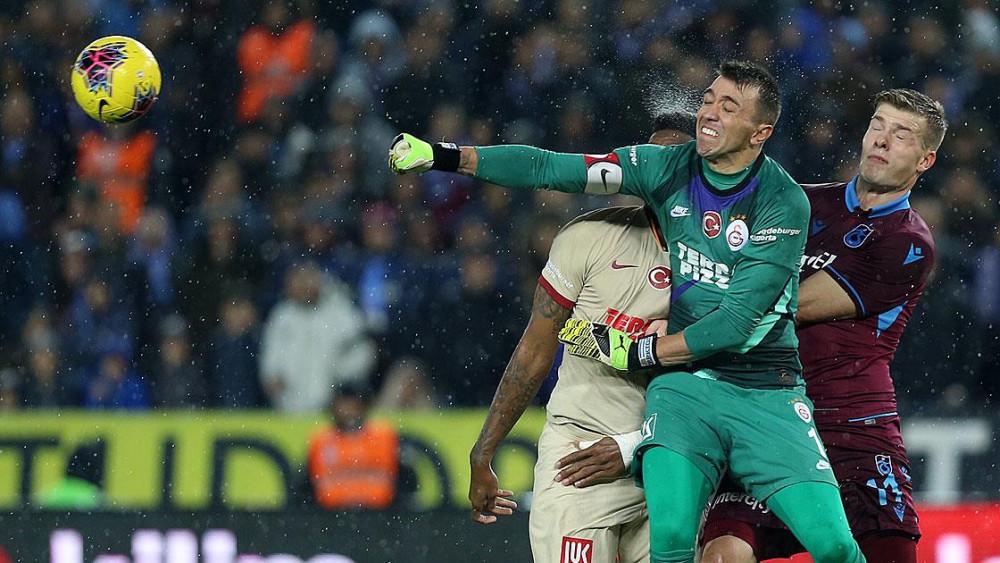 Trabzonspor Galatasaray derbisinde kazanan yok 1-1