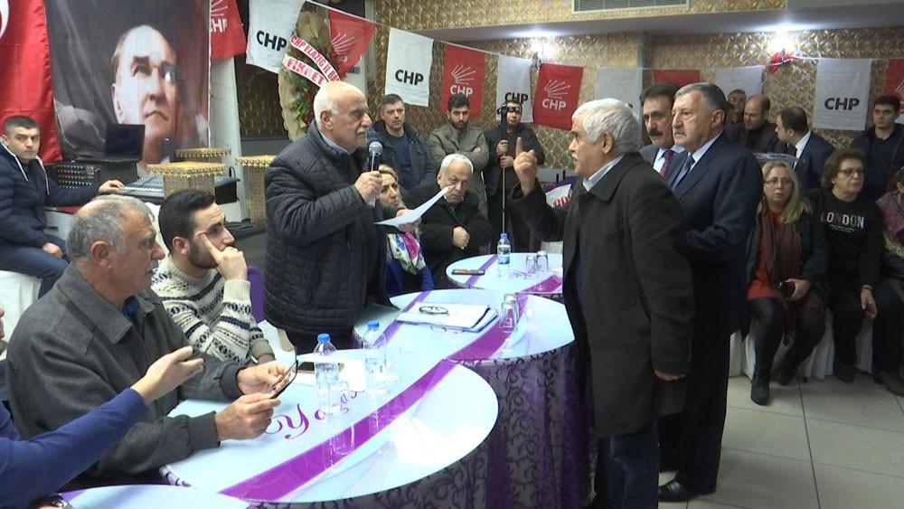 CHP kongresinde yumruk yumruğa kavga