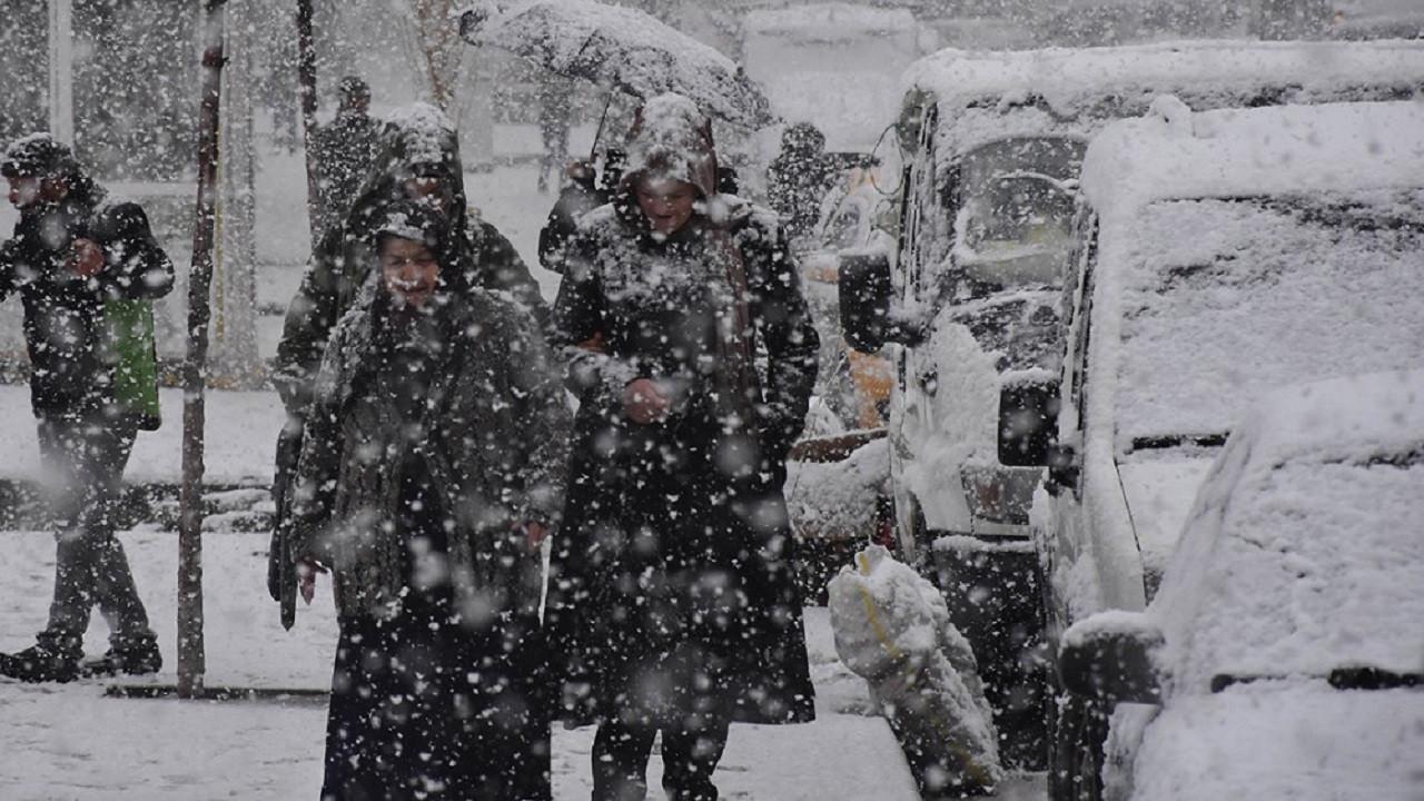 Meteoroloji uyardı: Kuvvetli sağanak ve yoğun kar yağışı geliyor!