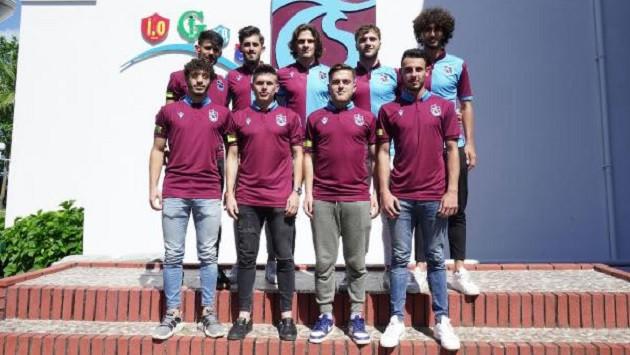 Trabzonspor'dan 9 futbolcuya imza