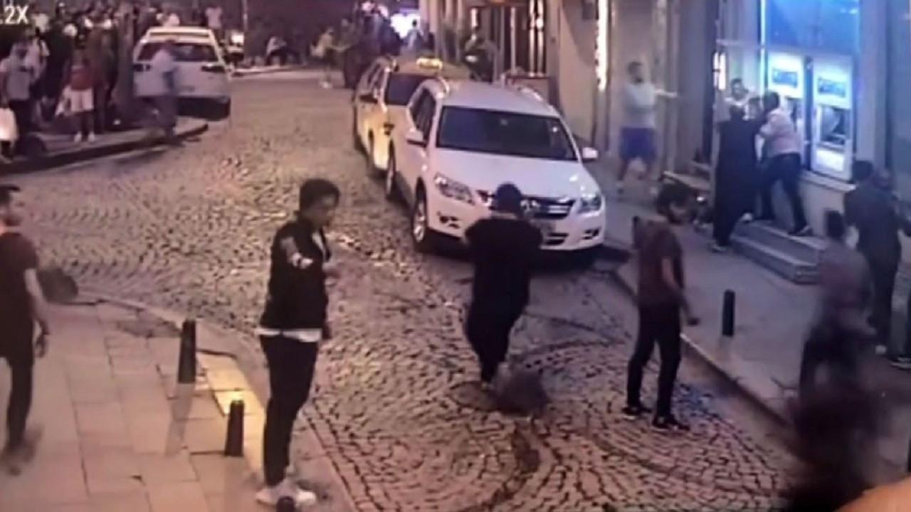 İstanbul'un göbeğinde şehir magandalarının estirdiği terör kamerada