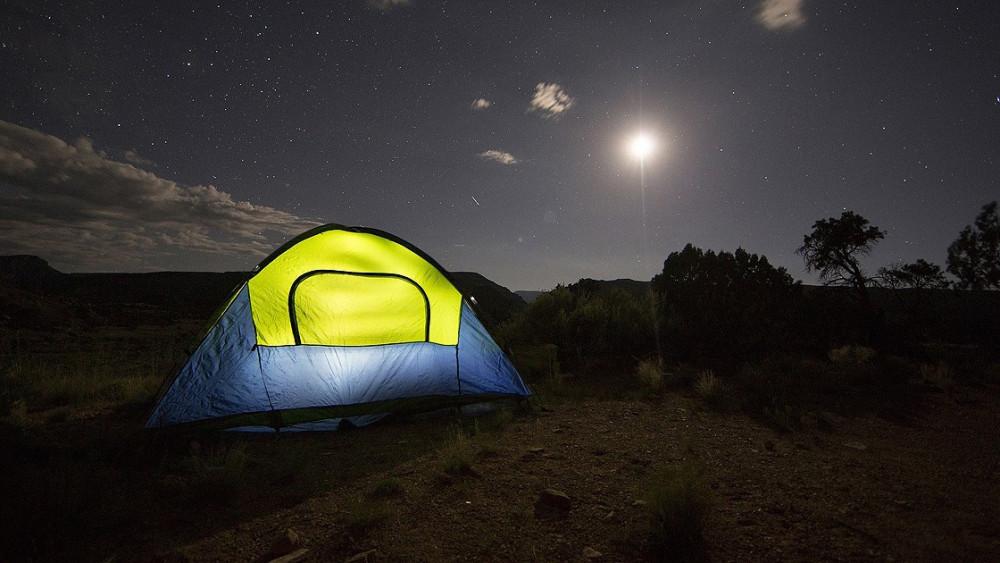Deprem ekonomisi: Çadır, düdük, el feneri satışları patladı