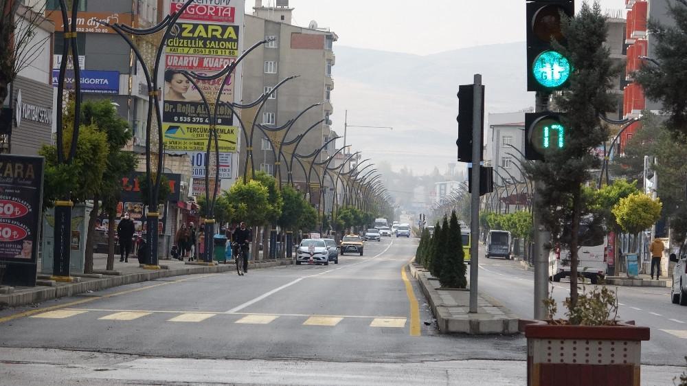 Van, Kayseri, Kilis: Herkes saat 10'da yasak başladı sandı sokaklar boşaldı