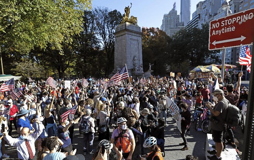 ABD'de Biden coşkusu: Sokaklarda kutlama var