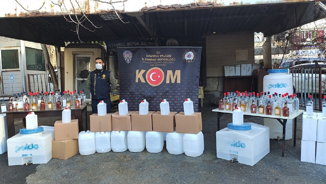 İstanbul'u sarhoş edeceklerdi: Yılbaşı öncesi 1,5 ton kaçak içki yakalandı