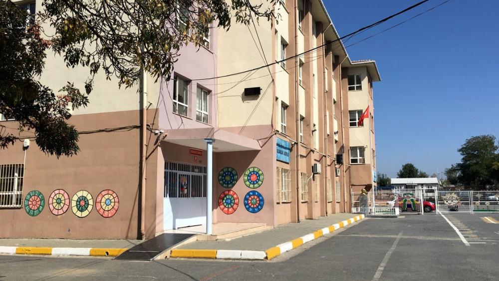 İstanbul'da hasarlı 8 okul yıkılacak: Öğrenciler ne olacak?