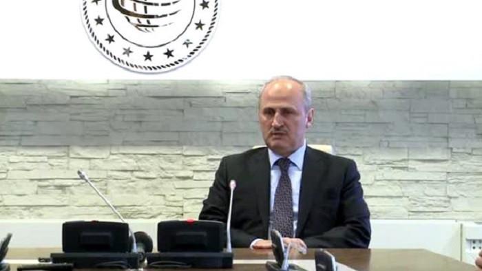 Gece yarısı görevden alınan Turhan görevi Karaismailoğlu'na devretti