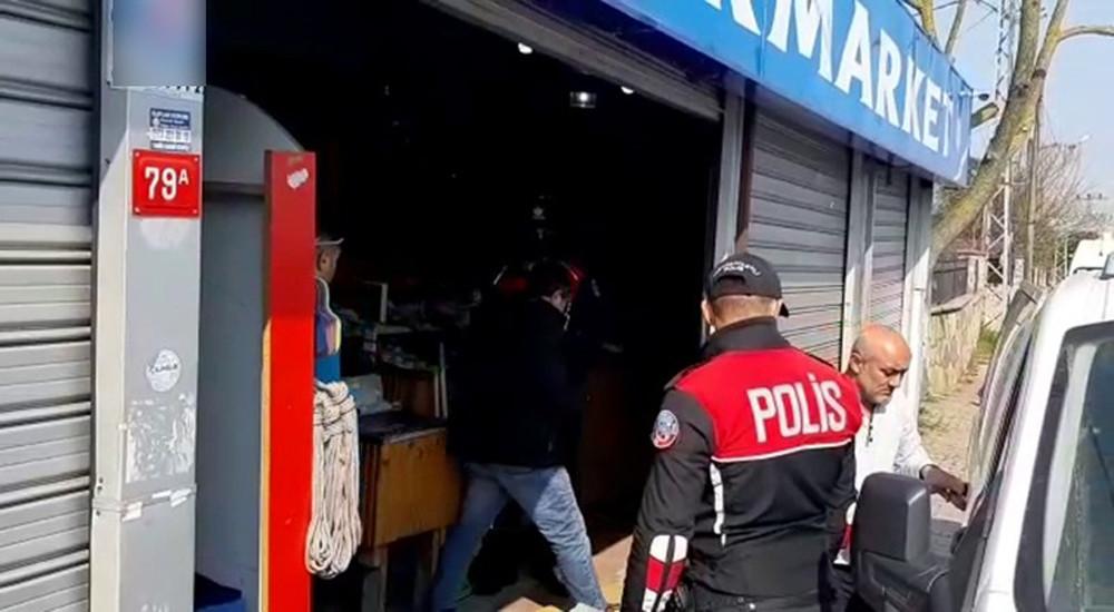 Sultangazi'de yasağa uymayan markete baskın