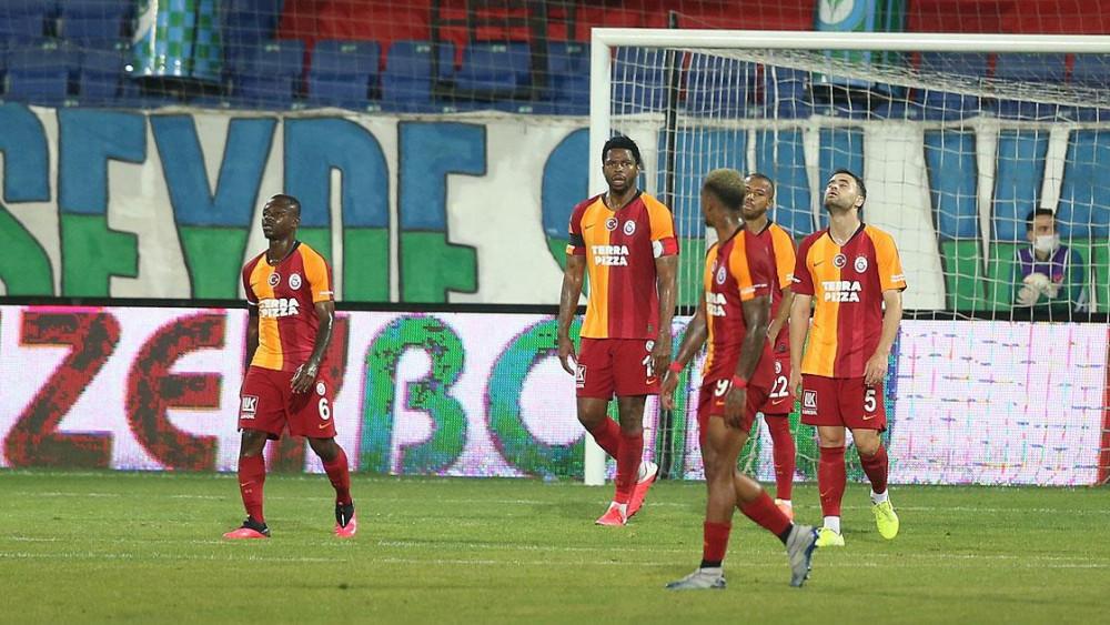 Galatasaray Rize'de yerle bir: 3 puan kayıp, 2 futbolcu sakat, 2 futbolcu cezalı