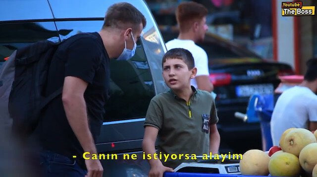 Diyarbakır'da simit ve kavun satan çocuklarla duygulandıran sosyal deney