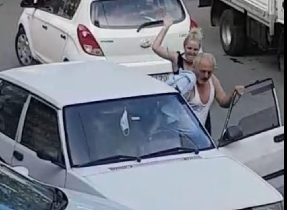 Trafik kavgasında tokat attığı kadın tekvandocu çıktı, dayağı yedi