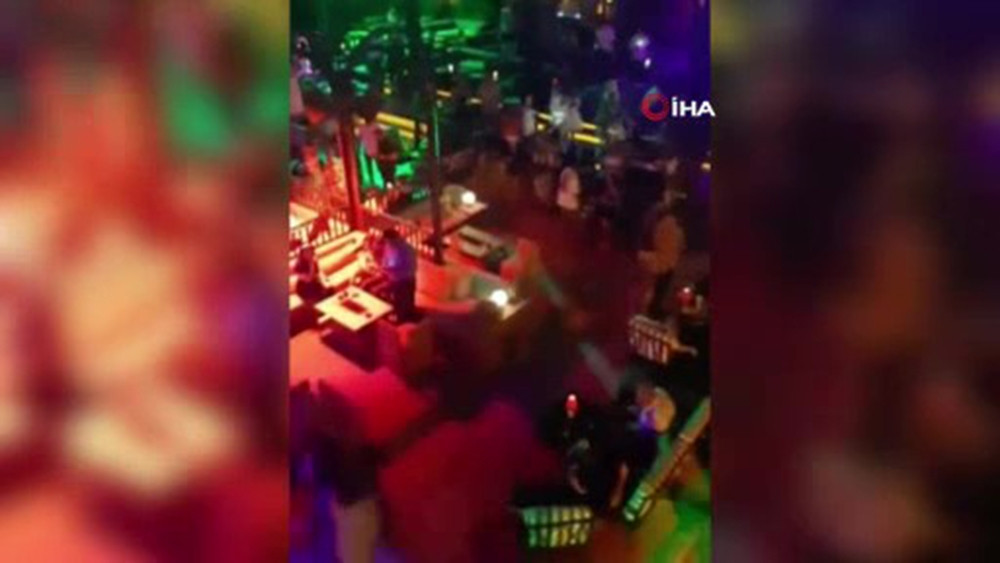 İstanbul'da koronavirüs partisi