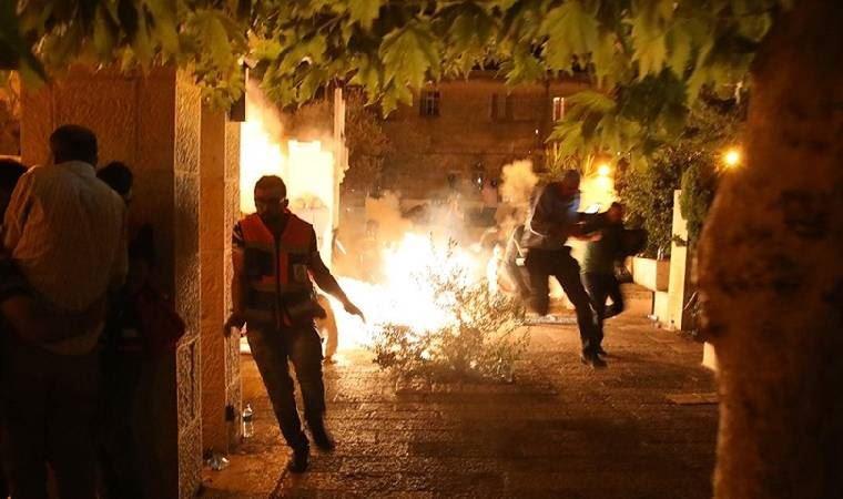 İsrail Güçlerinden Mescid-i Aksa'da Ses Bombalı ve Plastik Mermili Saldırı: 178 Yaralı